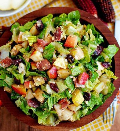 256f6f8e9ef0b17aff820365155612f3--autumn-chopped-salads-thanksgiving-salad