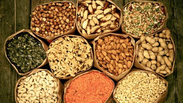 Diverticular-Disease-Nuts-Seeds